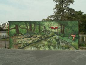 Muurschildering buiten bos landschap water wolf sprookjesbos