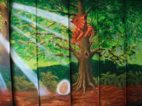 Muurschildering binnen bos
